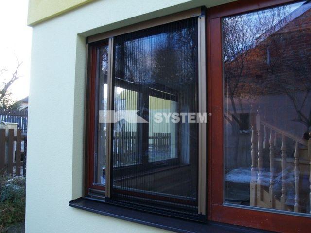 Okenní a dveřní sítě proti hmyzu