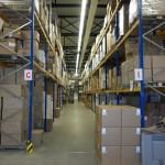 warehouse-561715_1920